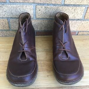 Duluth trading women's boots